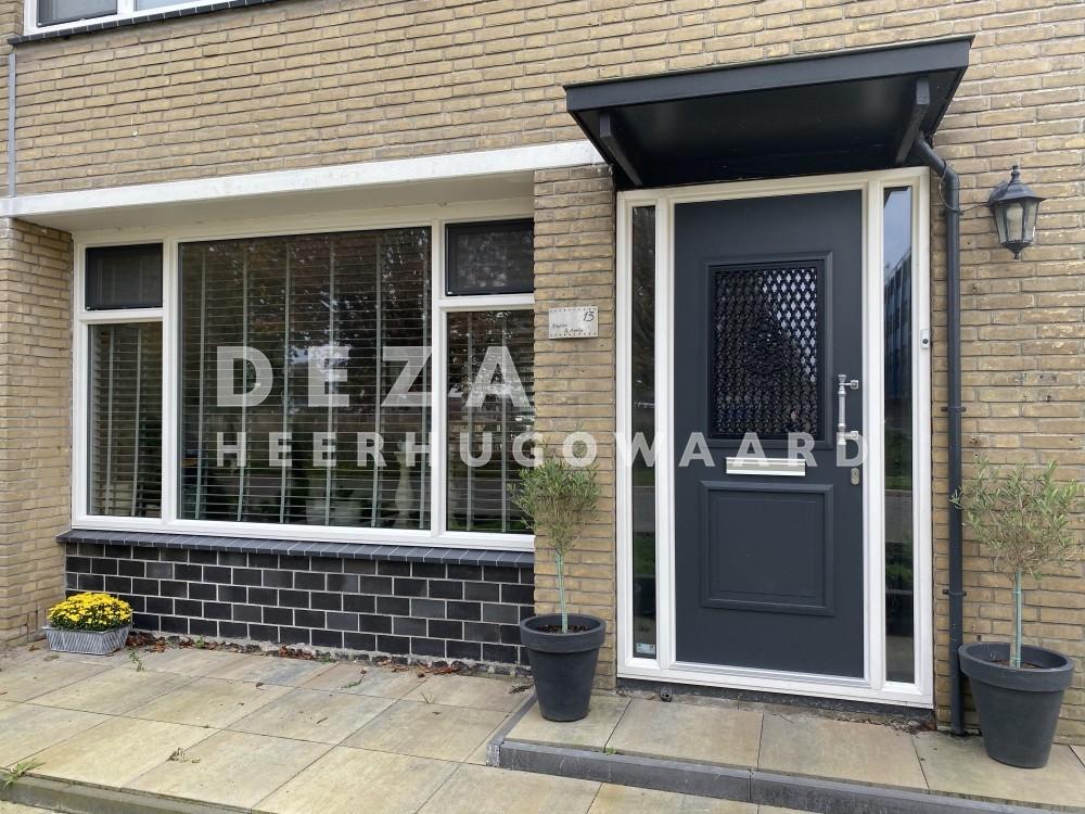 Deza Kozijnen Heerhugowaard - kunststof voordeur in Den Helder - Kunststof voordeur voorkomt tocht